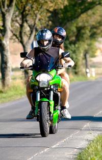 Rencontre femme motarde, femmes célibataires